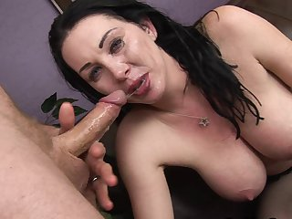 Seductive awesome milf Rayveness accept how to fuck with that mammoth coles in her mouth