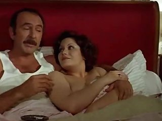 Mature French couple makes love in the morning in vintage vid