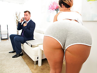 Brazzers – Taking Care Of Businessman