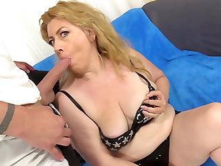 Older Slut Takes Cock in Cunt and Oral Cumshot