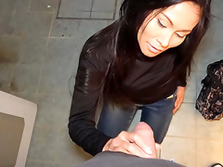 Hot Thai in gas station toilet fuck