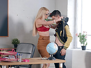 Mature blonde with glasses Amber Jayne sucks and rides for a cumshot