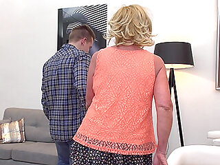 Mature short haired blonde mature granny Katalina pounded on the couch