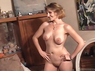 Young naked lady with a nice big ass teases solo