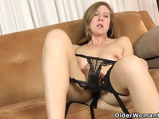 Euro milf French Chloe teases us with her hairy beaver