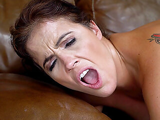 lesbian pussy licking on the bed is a fantasy of Montse Swinger