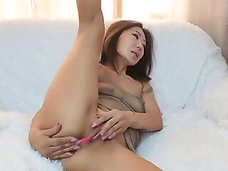 Horny Asian milf squirting hardcore on webcam and loves it
