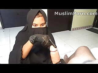 Cum On Niqab Slave
