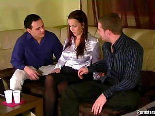 Cindy Dollar Gets a Gaping Asshole In DP Threesome
