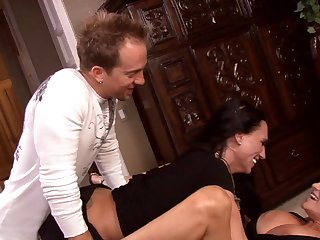Feisty model got banged in styles by a strong cocky dude to an orgasm in pov