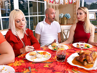 Spanksgiving With The Family